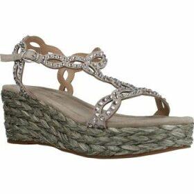 Alma En Pena  V20323  women's Sandals in Beige