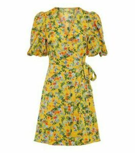 Urban Bliss Yellow Floral and Spot Mini Wrap Dress New Look