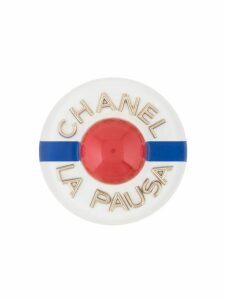 Chanel Pre-Owned CC La Pausa logos brooch pin corsage - White