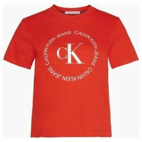Calvin Klein Jeans  J20J213544 ROUND LOGO  women's T shirt in Red